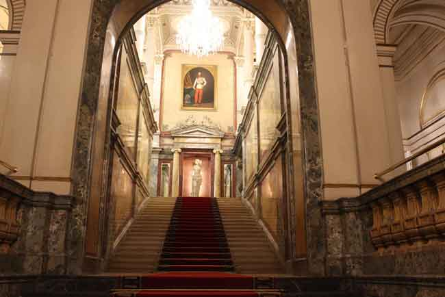 This staircase was not the entrance to a palace, but the way to the mezzanine of the Hotel Imperial, where we stayed.