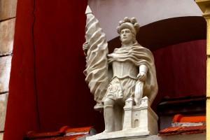 bratislava-old-town-statuette