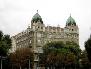 budapest-park-two-turrets