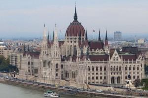 budapest-parliament-river