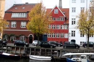 copenhagen-christianhavn-square-canal-houses-2-