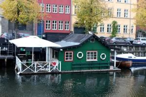 copenhagen-christianhavn-square-canal-houses-4