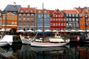 copenhagen-nyhavn-canal-houses-1