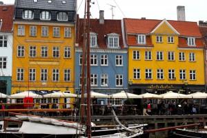 copenhagen-nyhavn-canal-houses-2