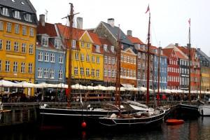 copenhagen-nyhavn-houses-boats