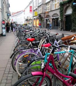 copenhagen-bike-street-parking