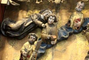 triptych-four-figures