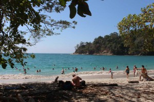 manuel-antoniio-beach