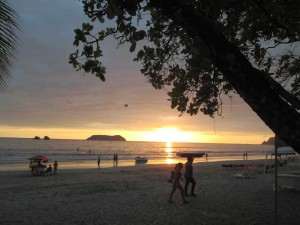 playa-espadilla-sunset-1