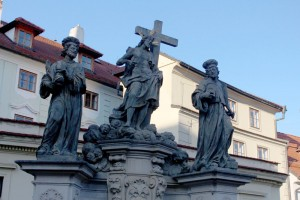charles-bridge-statues