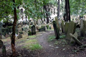 prague-jewish-cemetery-graves