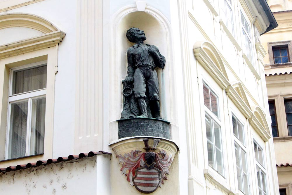 prague-old-town-feature