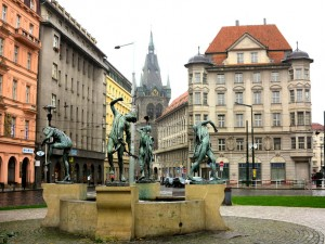 prague-powder-gate-street-sculpture
